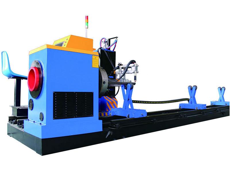 řezací stroj na kovové trubky